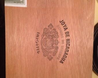 Joya De Nicaragua Cigar Box