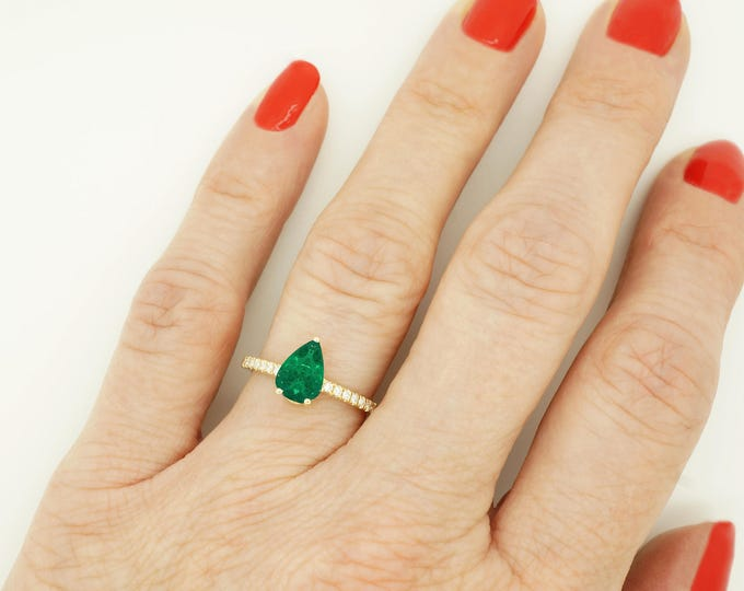 Art deco Emerald Engagement Ring -Gold Ring-Emerald Engagement Ring -Anniversary present-Promised ring-Emerald ring-Pear shaped emerald