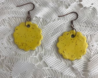 Speckled yellow ceramic earrings