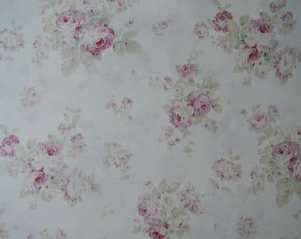 "Half Yard of Quilt Gate Mary R Collection Beautiful Pink Rose Bouquets on Off White Background. Approx. 18"" x 44"" Made in Japan."