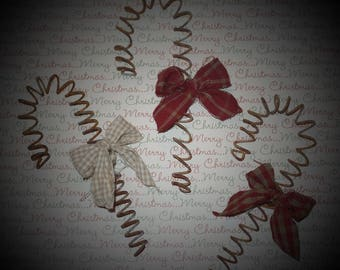 Rusty Wire Candy Cane Ornie with Homespun Bow