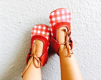 """5.75"""" Red Gingham  Flats"""
