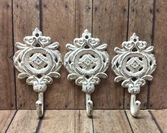 Set of 3 Cast Iron Fleur De Lis Hooks Distressed Off White French/Paris Wall Decor Coat Key Leash Jewelry Towel Key Hook Bathroom Bedroom