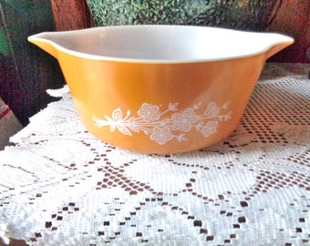 Pyrex Butterfly Gold No. 485 2.5 Quart Casserole - Free Shipping