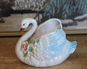 Vintage 1950's beautiful Lustre Swan Vase -  Japan .