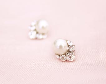 READY TO SHIP Celestial Pearl Cluster Earrings, Studs, Wedding Earrings, Bridal Earrings, Cluster Earrings, Pearl Earrings, Pearl Studs