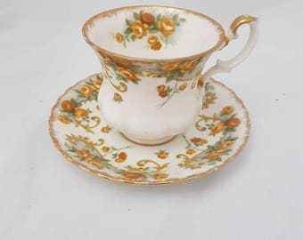 Vintage//Royal Albert Marjorie//Sheraton Series//tea cup and saucer//gold edge//Fine bone China made in England//brocant//serving