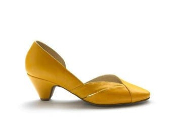 ON SALE Lucile Yellow pumps, Yellow shoes, Pointy shoes, women shoes, summer shoes, spring summer 2017 collection, limited edition by liebli