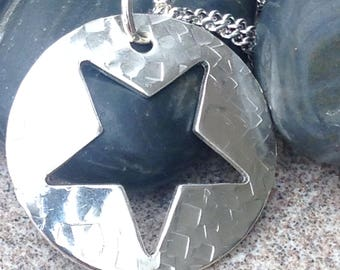 Large Sterling silver star pendant inc. silver chain