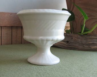 White Footed Haeger Planter Vintage Planters and Pots (pearl glazed) Haeger Potteries #3955