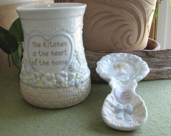 """Precious Moments """"The Kitchen is the Heart of the Home"""" Two (2)  Piece Set Utensil Holder and Spoon Rest Vintage Kitchen Decor"""