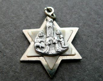 Vintage German Our Lady of Fatima Celluloid 1950s Medal