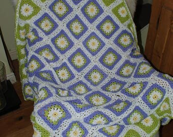 crochet lapghan or baby blanket daisy granny squares