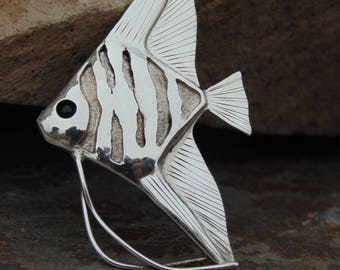 James Cleland ~ Sterling Silver Angelfish with Inset Black Eye Brooch / Pin