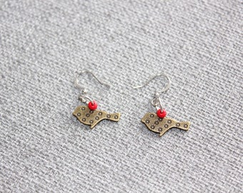 Pit to pit, birds, red ball earrings