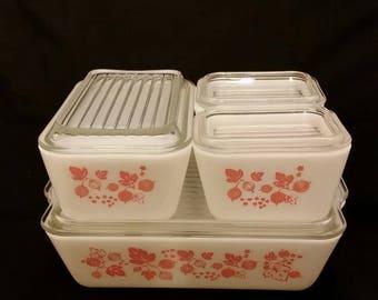 Pyrex Gooseberry fridgee set