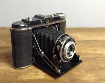 Vintage AGFA Jsolette / Isolette Accordion Folding Camera / 1930's - 1940's