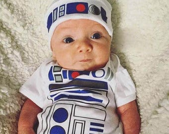 R2D2 Bodysuit Long Or Short Sleeve Newborn Outfit R2D2 OnePiece Newborn beanie and Romper R2D2 Baby Outfit R2D2 Baby Shower Gift