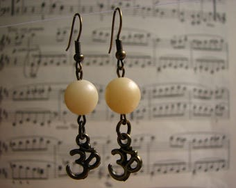 3643 -  Earrings Natural Buri Stone, Om