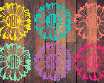 Daisy monogram decal 6 x 6 | monogram flower sticker| Daisy car decal |Monogram car decal | Flower decal | Monogram sticker for cars