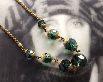 Vintage Art Deco Green Crystal Necklace