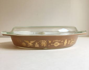 Pyrex Early American Pattern Divided Baking Dish with lid