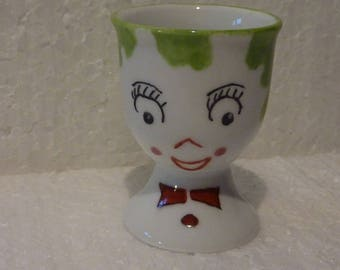 Coquetier peint à la main couleur vert