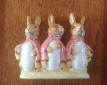 F Warne & Co Peter Rabbit Beatrix Potter Flopsy Mopsy and Cottontail Figurine - England