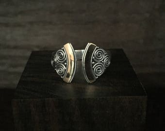 Silver and Gold Swirl Pattern Bali Ring // 925 Sterling Silver // 2 Tone Bali Silver Ring