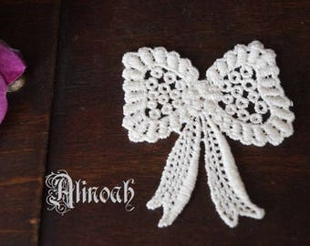 Bow lace ivory guipure 5 x 6 cm