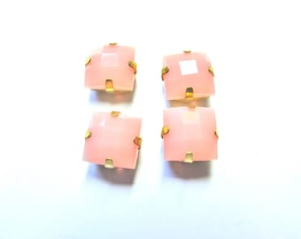 2 SQUARE BOMB FACET CRYSTAL CLAW GOLD 10 MM PALE PINK RHINESTONES