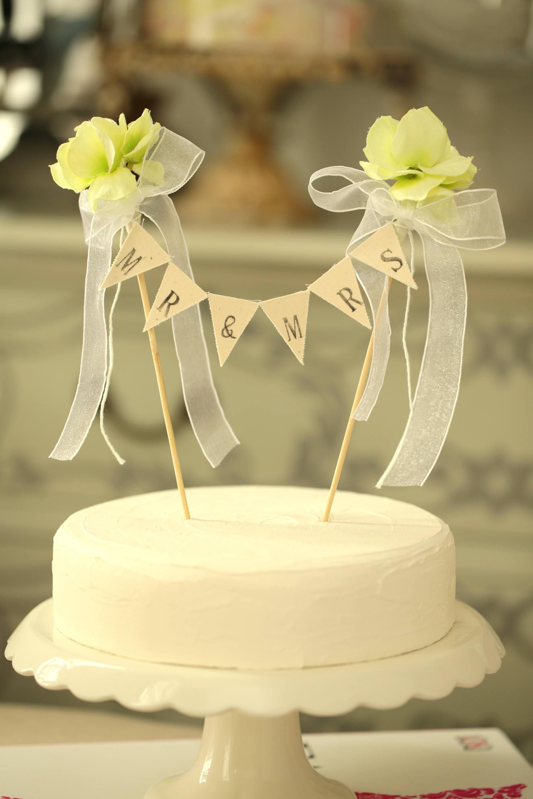 Mr & Mrs Wedding Cake Banner,Flower Cake bunting,Rustic Wedding Cake ...