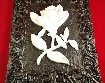 Black/White Budding Flower Plaque