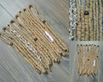 8DE blond wool dreads