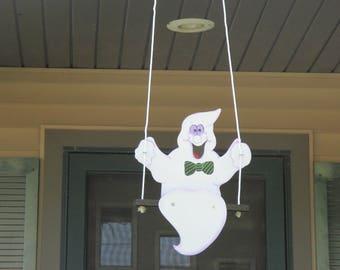 Swinging Ghost Yard Sign