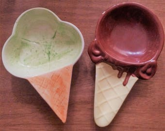 Two Ice Cream Bowls Dishes Some Chips See Pics Retro Kitchen Ware Novelty