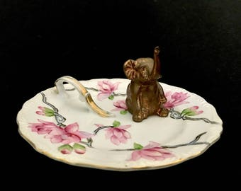 Upcycled/Hand-crafted/Vintage Elephant Ringholder/Trinket Dish/Ring Dish/Valentine's Day/Brass Elephant