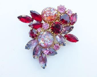 Vintage red and pink brooch with confette glass givre glass and rhinestones AA572