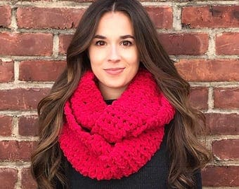 Blanket Scarf, Chunky Scarf, Infinity Scarf, Red Scarf, Cranberry Red Scarf, Crochet Scarf, Chunky Crochet Scarf, Circle Scarf, Fall, Winter