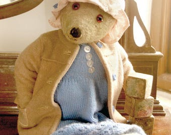 Daphne De Maurier -  Antique teddy bear - English  1930/40's In Wool Coat Knitted dress
