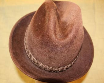 Vintage Stetson Sovereign Dark Brown Trilby Fedora Velour Size 7 1/8 Men's Fashion John Wanamaker