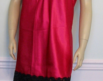 Vintage Chemise Fredericks of Hollywood Pink and Black Nightgown