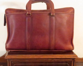 Coach Embassy Briefcase In Burgundy Leather Made In The United States- Style No 5090 - Beautifully Worn