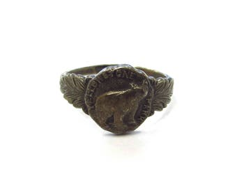 Vintage Sterling Silver Grizzly Bear Yellowstone National Park Signet Ring with Gunmetal Patina, size 8