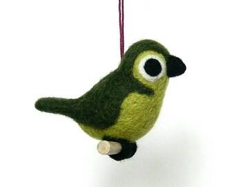 Oiseau kaki en laine feutrée. Par LaPoissonnerie