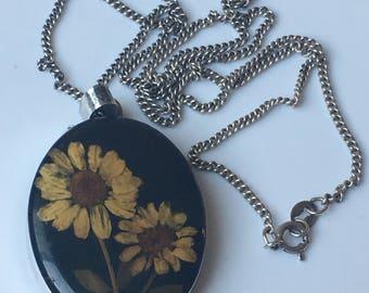 Flower pendant, vintage flower pendant, daisy flower, silver necklace