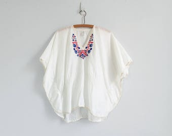 vintage greek caftan top / 70s embroidered blouse / white bohemian short sleeve shirt / womens L