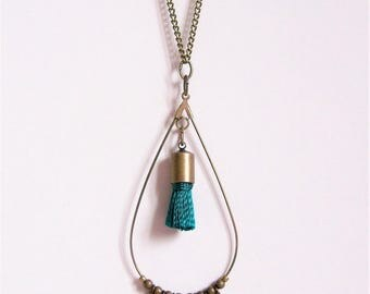 Drop necklace in brass and emerald green tassel