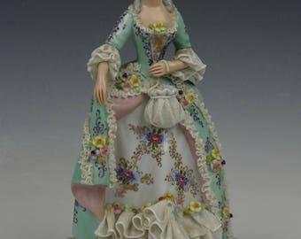 "Capodimonte San Marco Figurine ""Lady with Bag"""