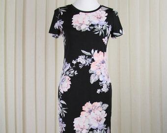 Black Dress in delicate Roses • Summer Dress • Knee Length Dress • Black Dress • Office Dress • Romantic Dress • Floral Dress